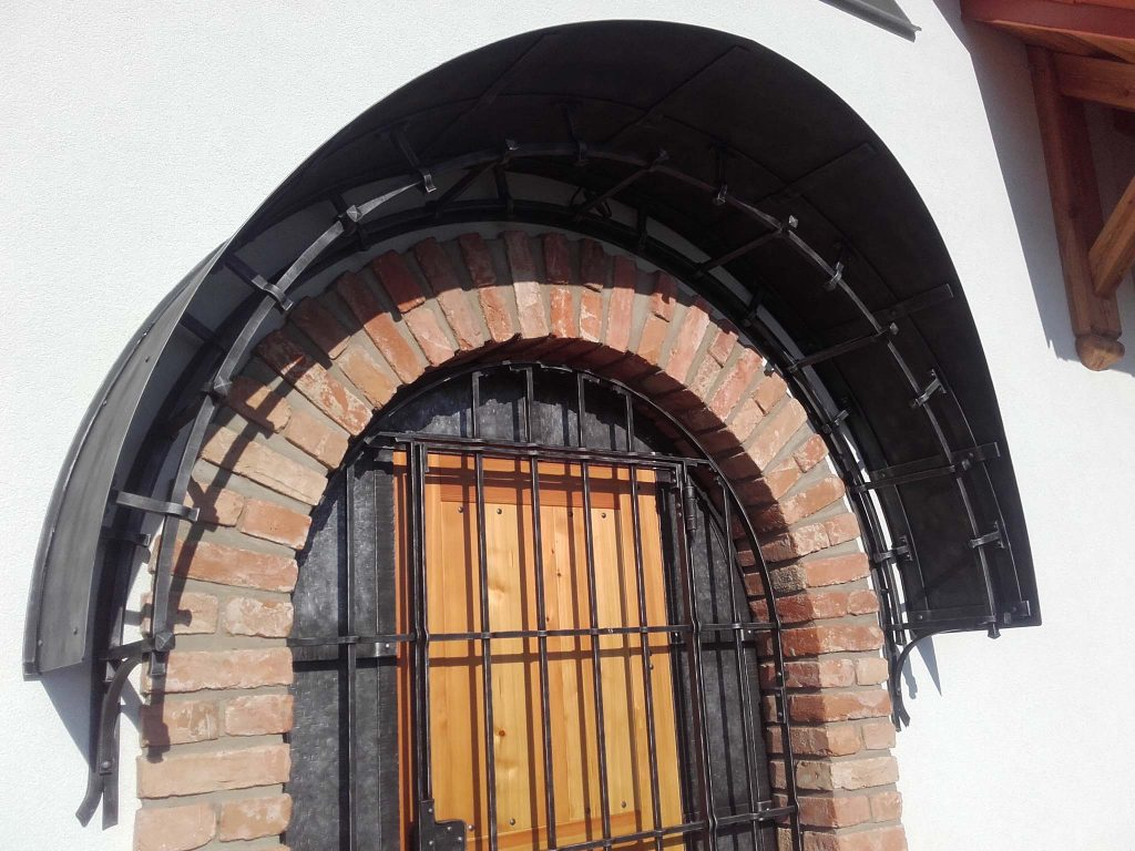 dveře, vrata, mříže tomšej